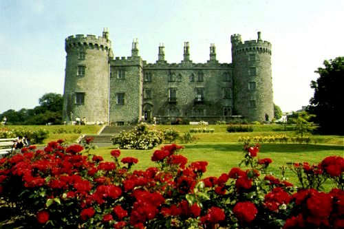 http://homepage.eircom.net/%257Eosrai/castle.jpg