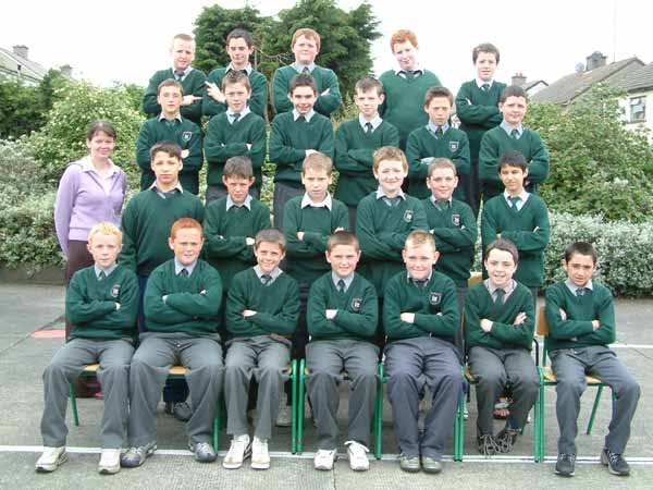 Sixth Class, Room 11, Ms. Ciara Brangan, May 2004
