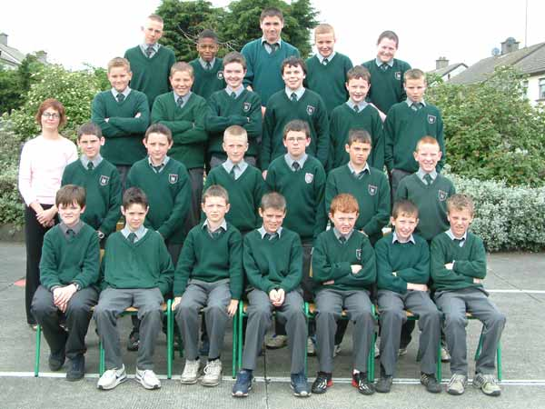 Sixth Class, Room 12, Ms. Anne White, May 2004
